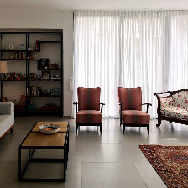 שילוב של רהיטים בסלון