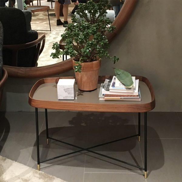 שולחן קפה שילוב של עץ וברזל