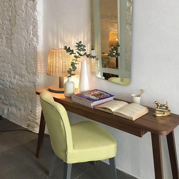 שולחן עבודה מעץ אגוז