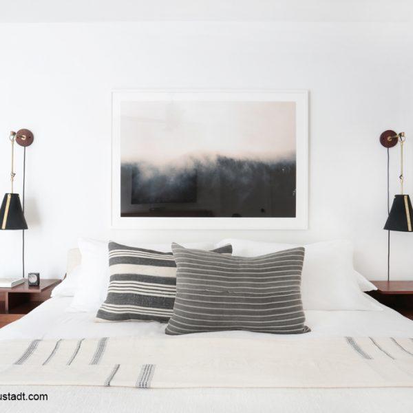 עיצוב חדר שינה עם כריות