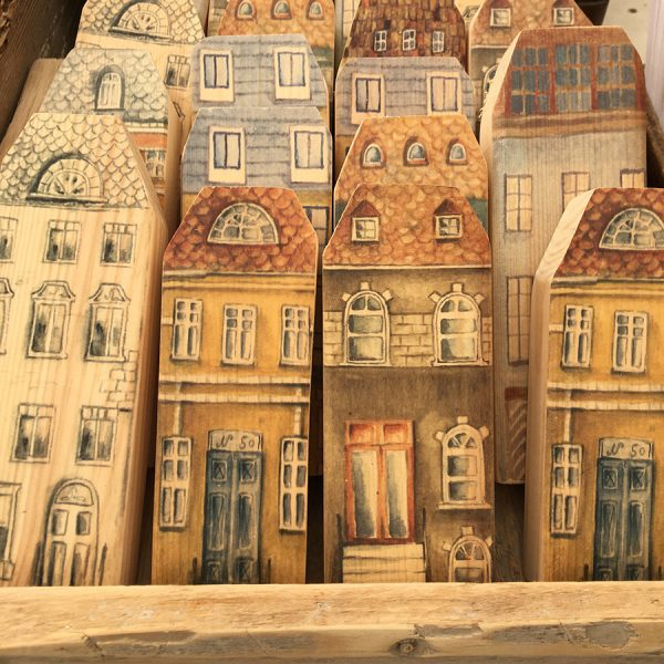 בתים כפריים מעץ