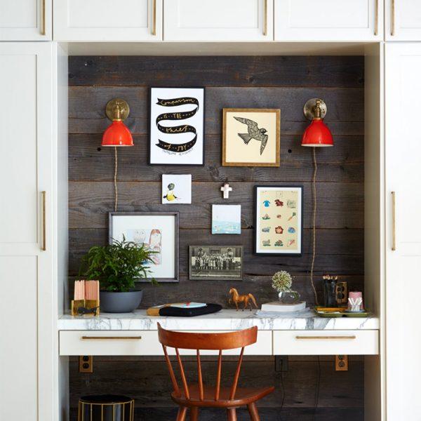 שולחן עבודה בתוך ארון
