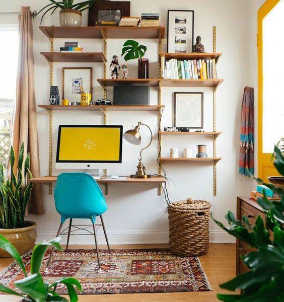 שולחן עבודה וספריה