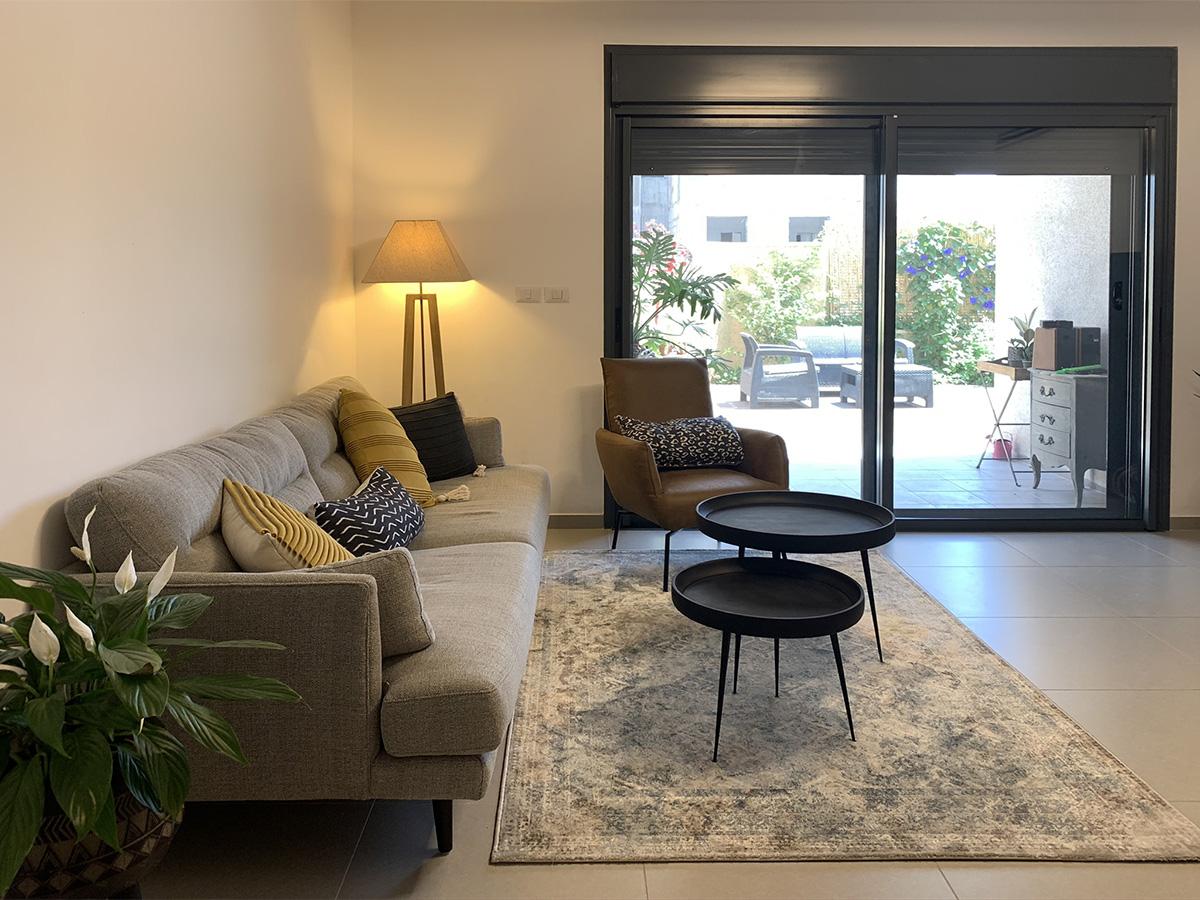 מתחת לרגלים – שטיחים לבית
